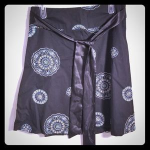 Black skirt with Embroidered geometric cicles